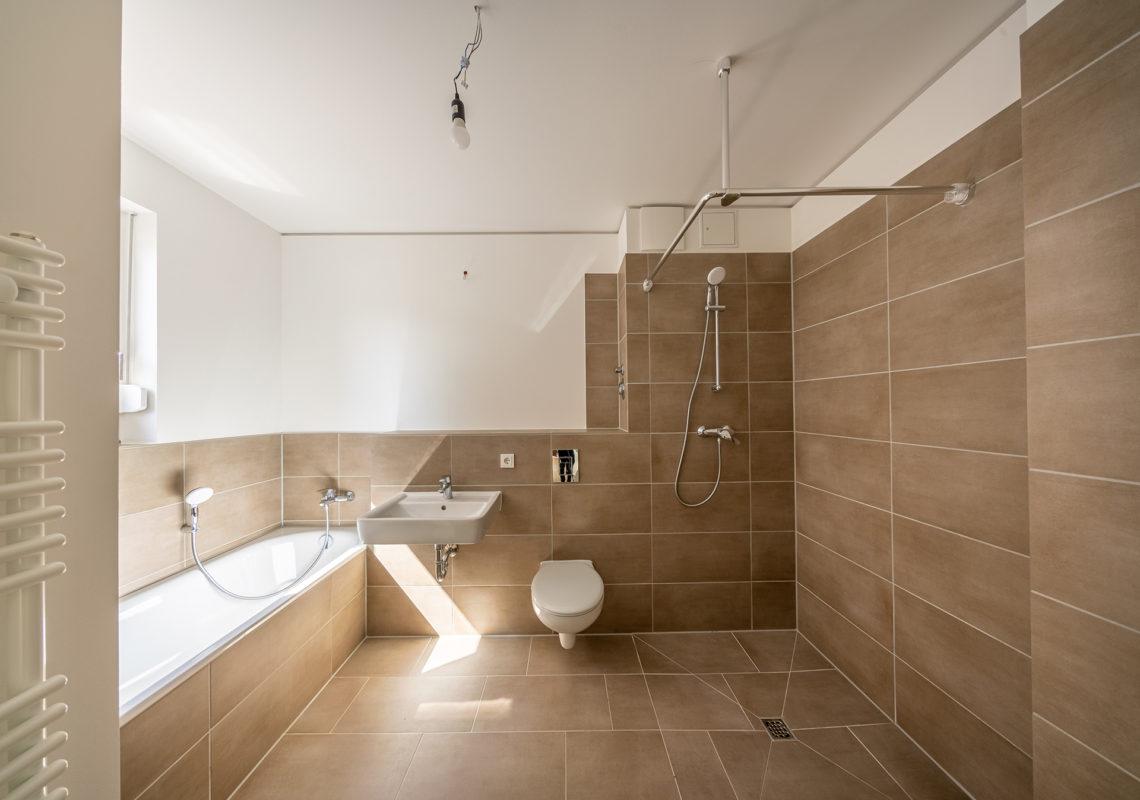 Modernes Bad im Neubau an der WATEKANT