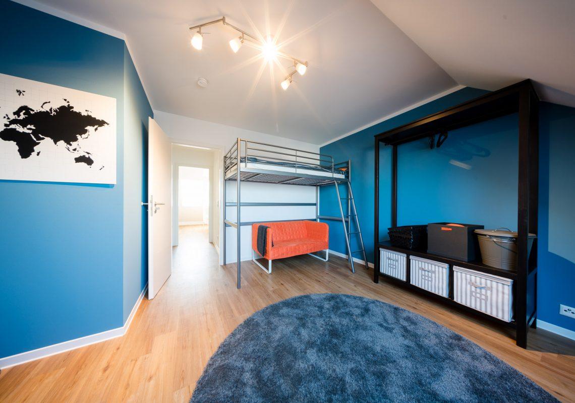 Großes Kinderzimmer und Flur in den neuen Einfamilienhäusern in Falkenberg
