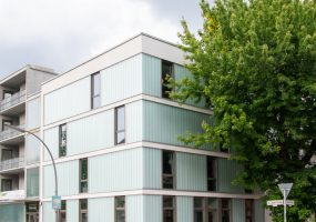 Fassade des Neubaus der Gewobag in der Amrumer Straße