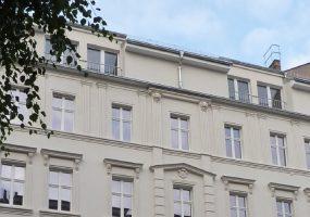 Fassade eines Modernisierungsprojekts in der Knaackstraße in Berlin