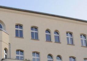 Fassade eines Modernisierungsprojekts am Helmholtzplatz