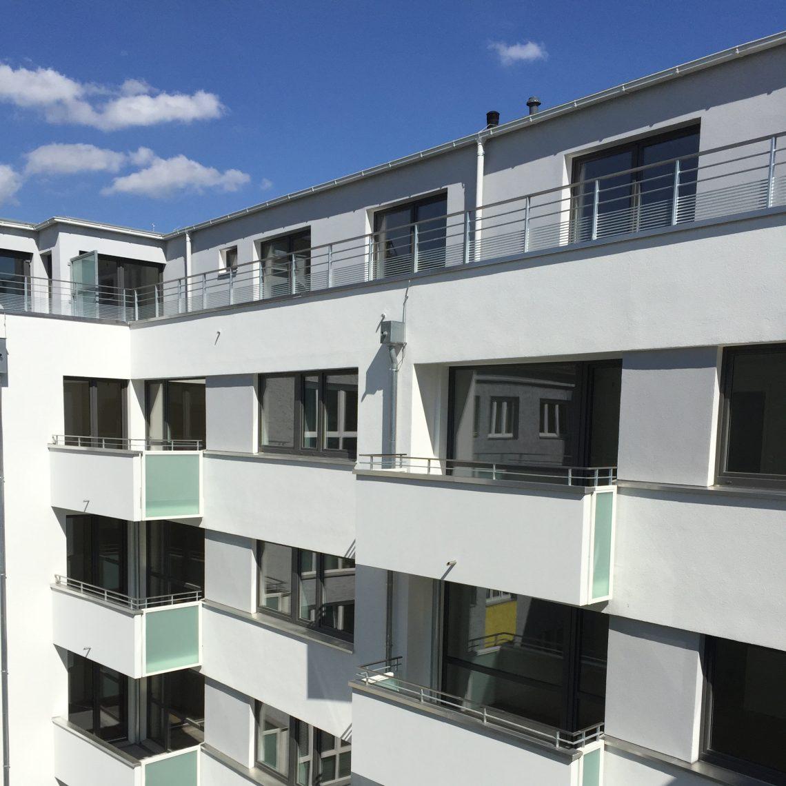 Hoffassade des Neubaus in der Gubitzstraße in Prenzlauer Berg