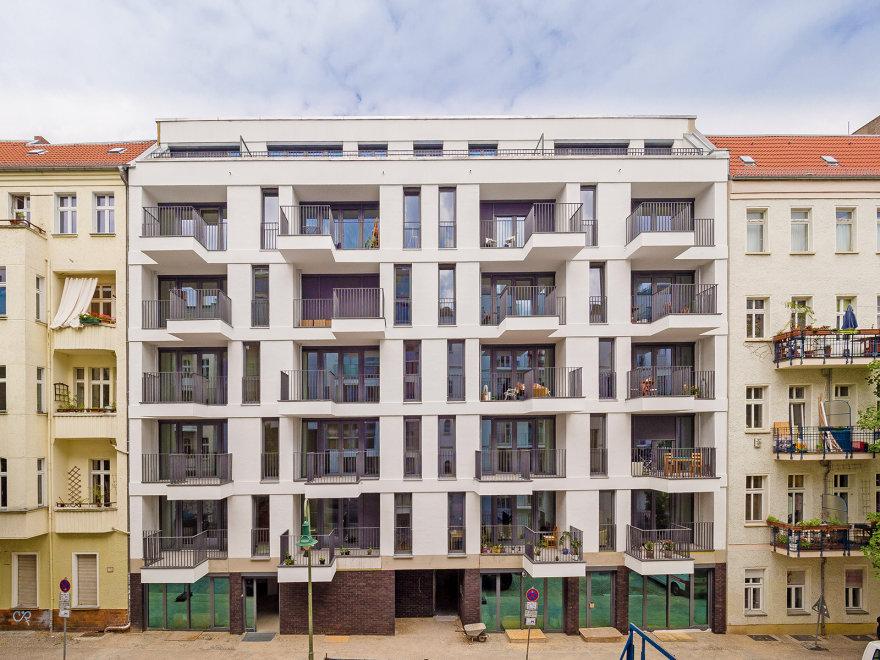Fassade vom Neubau in der Jablonskistraße in Prenzlauer Berg