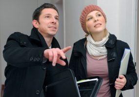 Makler liefert Hilfe bei der Immobiliensuche