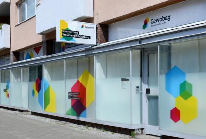 Eingang vom Quartierbüro der Gewobag in Kreuzberg/Schöneberg
