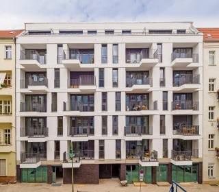 Baulückenschließung auf eigenem Grundstück: Jablonskistraße 12 in Berlin-Prenzlauer-Berg