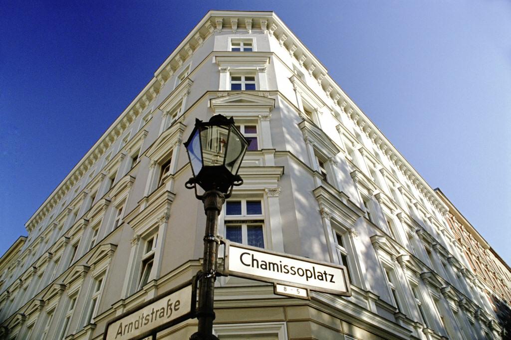 Foto von Häuserecke am Chamissoplatz in Historie der Gewobag