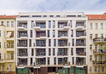 Vordere Hausansicht Neubau Jablonskistraße 12.