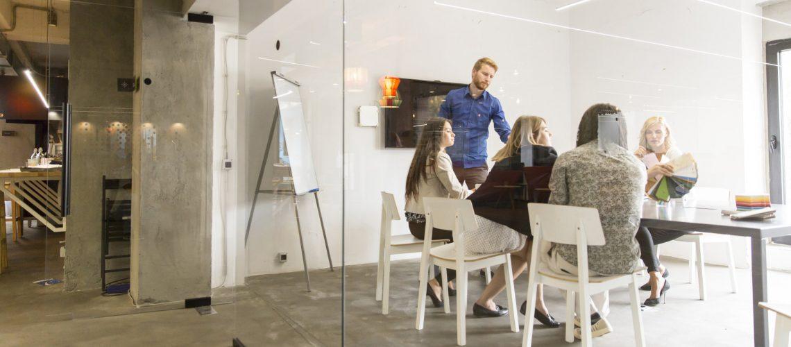 Dynamischer Geschäftspartner für Start-Ups