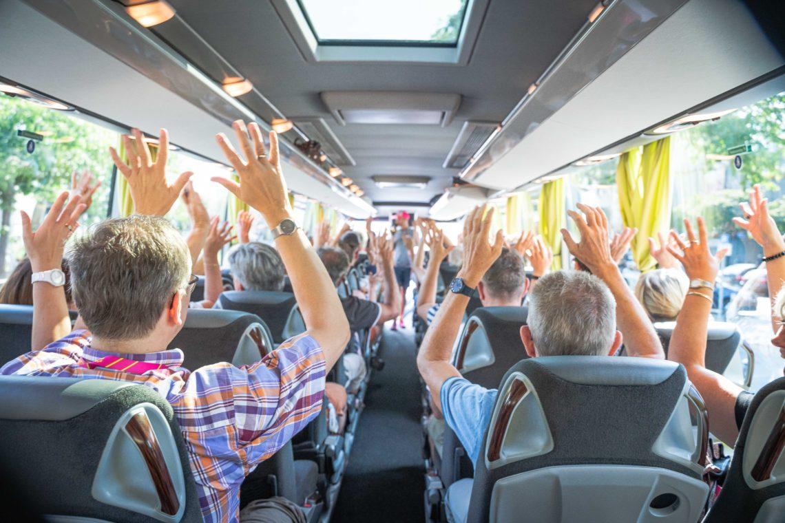Teilnehmer der Vielfaltstouren im Bus