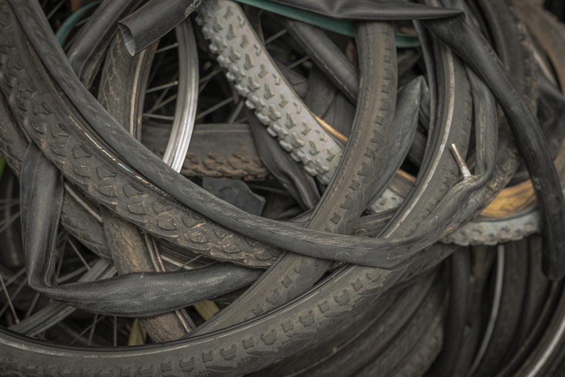 Alte Fahrradschläuche übereinander