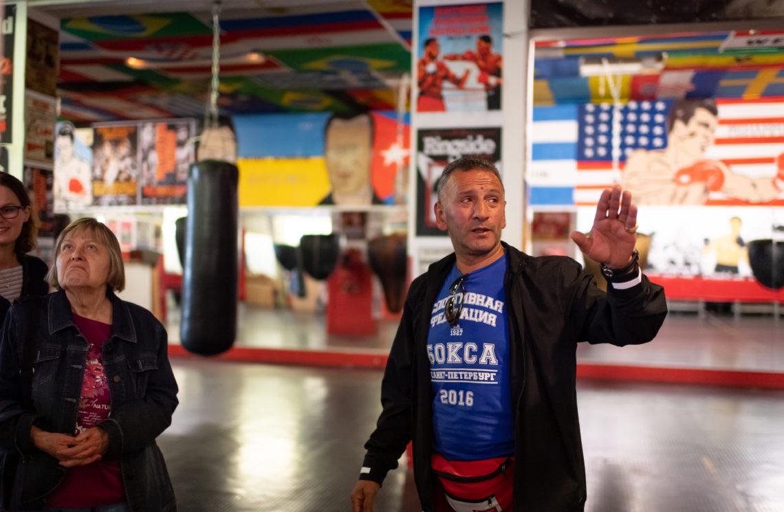 Besichtigung vom Boxsport-Projekt der Gewobag bei der Vielfaltstour
