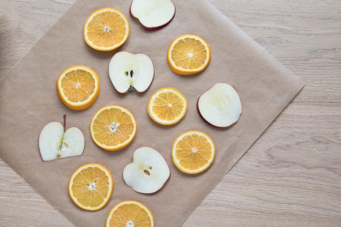 Raumduft aus getrockneten Orangen und Apfelscheiben