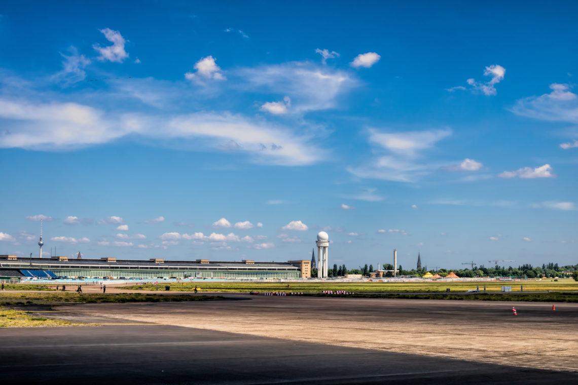 Spaziergang durch Berlin am Tempelhofer Feld